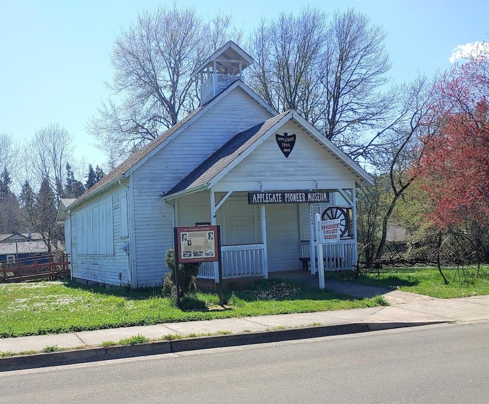 Applegate Pioneer Museum